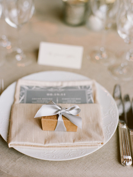 ADominickEvents_GrayWeddingFavor