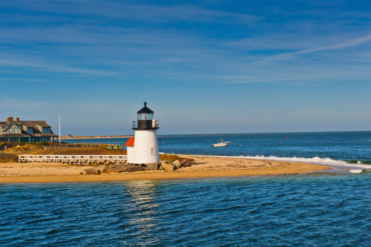 Nantucket-Brant-Point-Lighthouse-1300x865